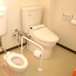 外来トイレ